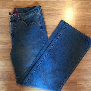 JAG jeans 👖 STRETCH Medium wash, ladies size 16